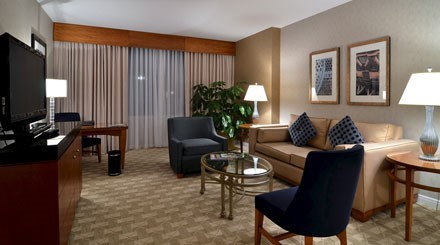 Luxury King River Suite Room At Mohegan Sun